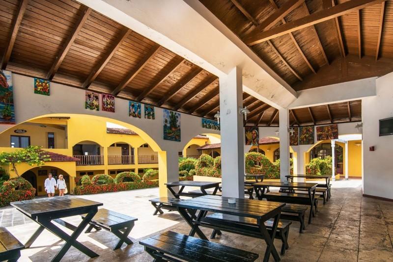 Hotel El Castillo Snack Bar Yumuri