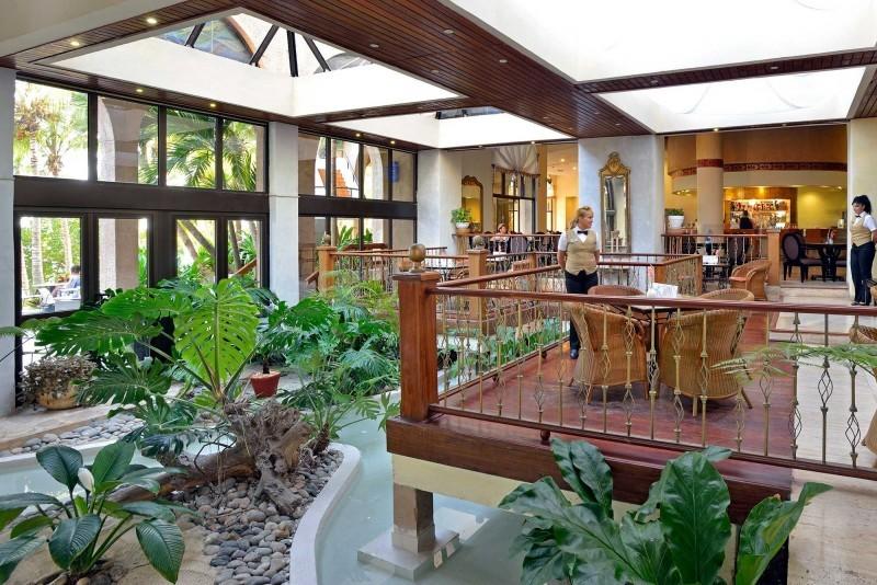 Melia Las Americas Hotel Lobby Garden