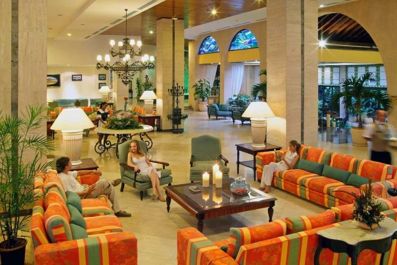 Melia Las Americas Hotel Lobby