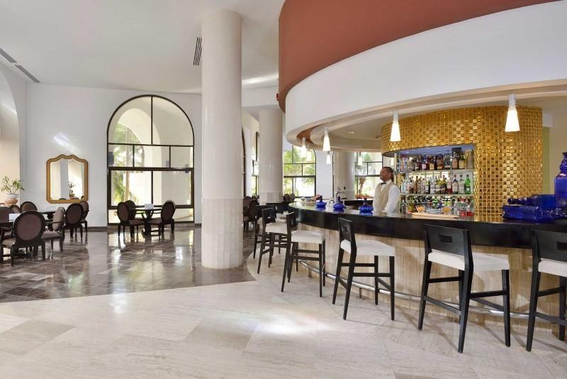 Melia Las Americas Lobby k Bar