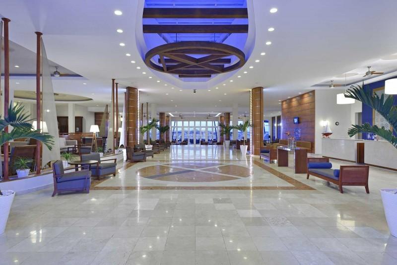 Melia Marina Hotel Lobby