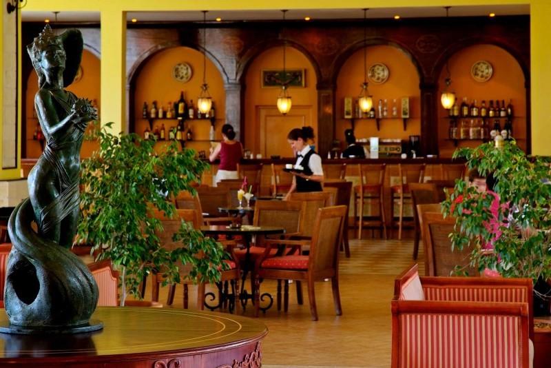 Paradisus Princesa del Mar Lobby Bar