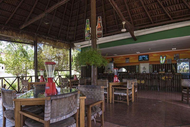 Playa Coco Bar