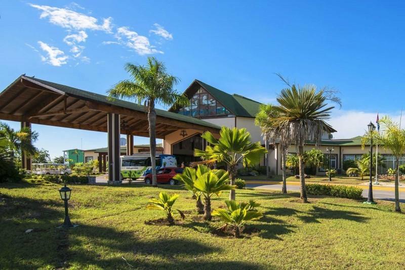 Playa Coco Hotel Entrance