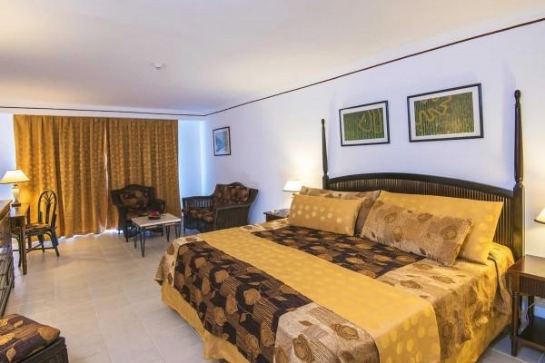 Playa Coco Hotel Standard Room Pool View Bedroom