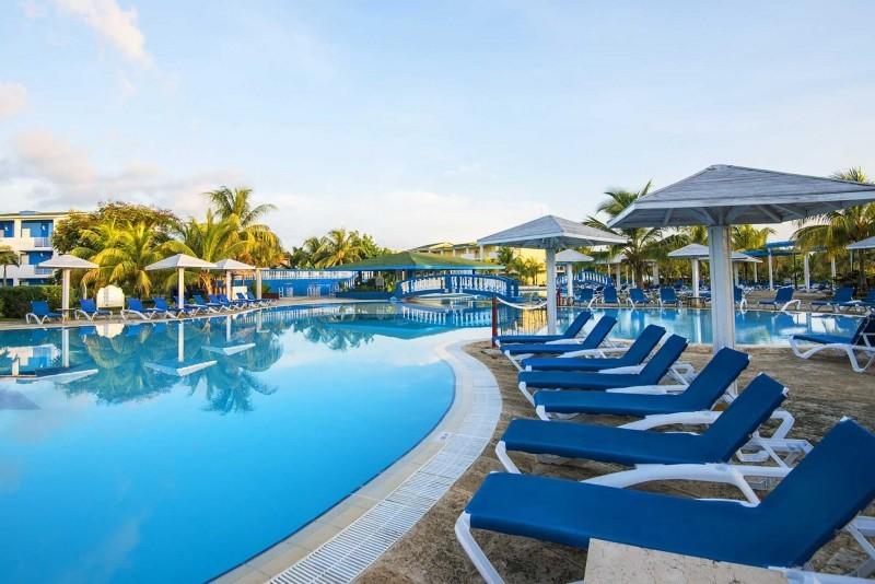 Playa Coco Hotel Swimming Pool