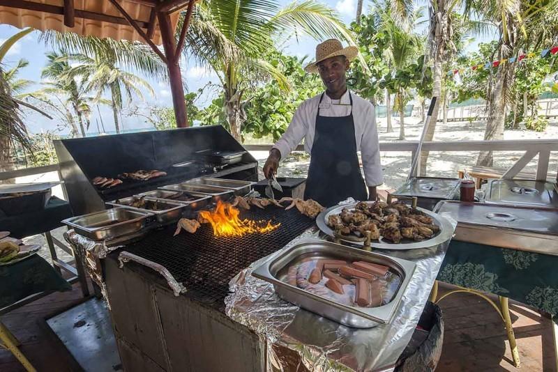 Roc Arenas Doradas Beach Grill