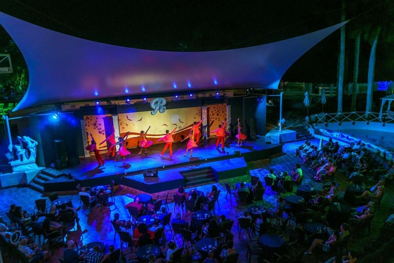 Royalton Hicacos Varadero Hotel Evening Shows