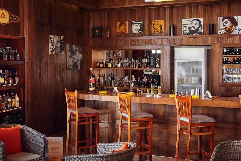 Pullman Cayo Coco Cigar Bar
