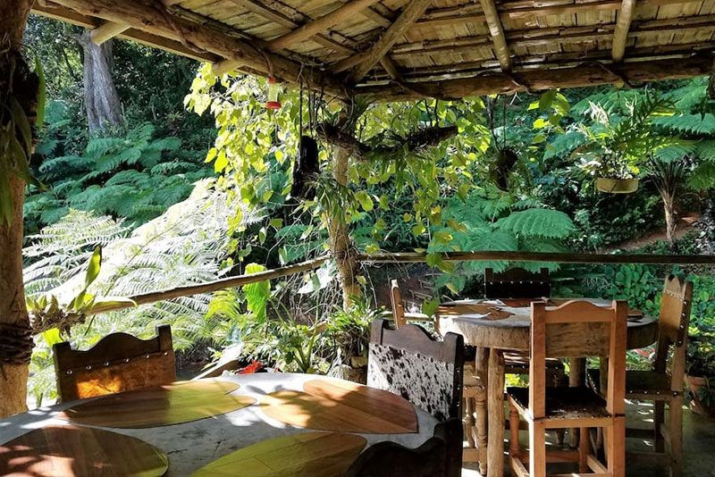 Ecoalojamiento El Manantial Outdoor Dining Area