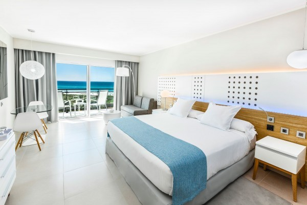 Melia Internacional Hotel Classic Bedroom with Sea View