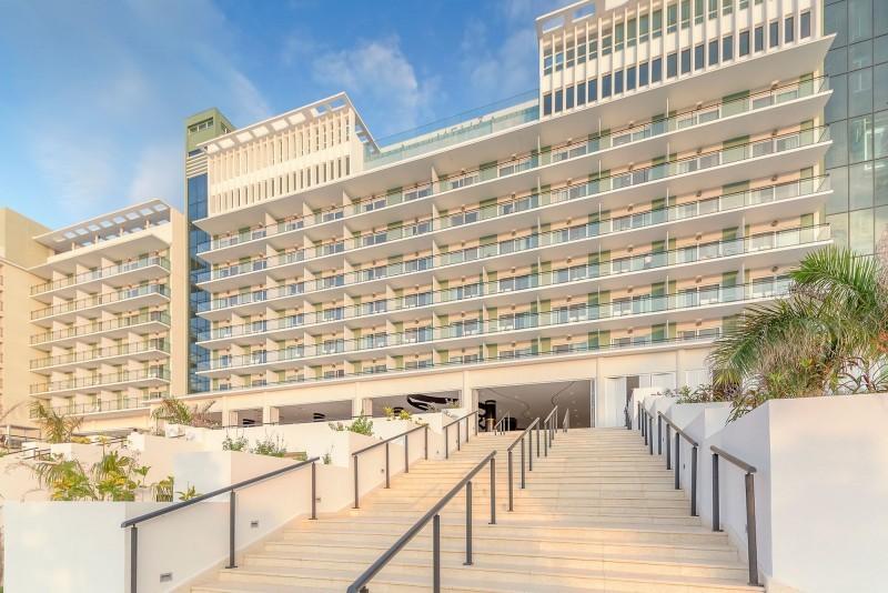 Melia Internacional Hotel Entrance Daytime