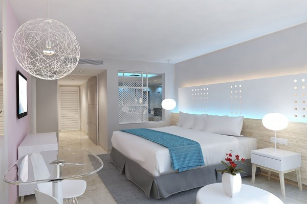 Melia Internacional Hotel Junior Suite with Sea Views