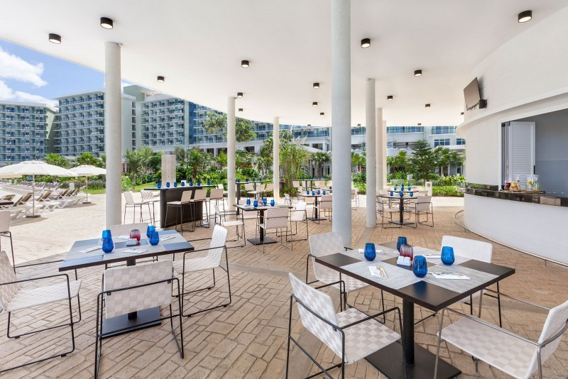 Melia Internacional Hotel Pool Snack BarPool Snack Bar