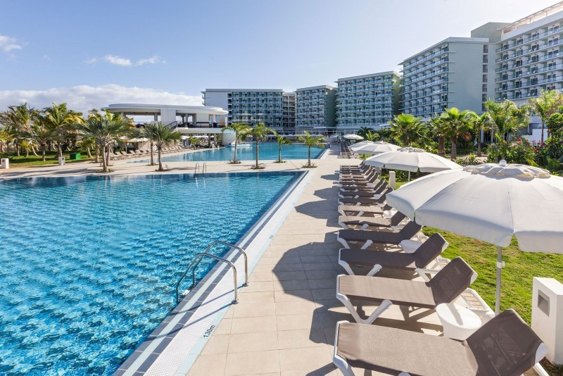 Melia Internacional Hotel Swimming Pool