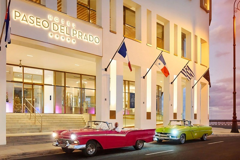 Paseo del Prado Hotel Entrance
