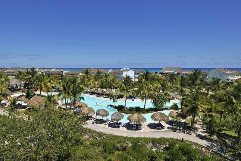 Sol Cayo Largo Hotel Grounds and Pool