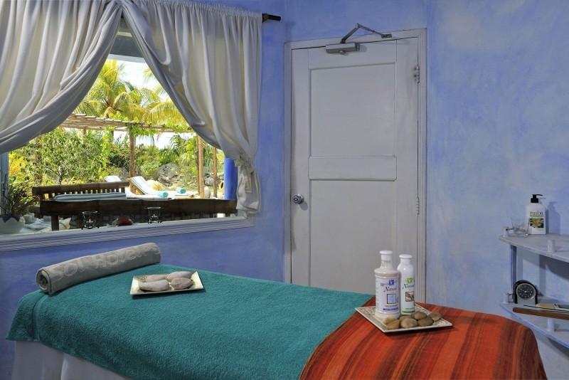 Sol Cayo Largo Indoor Massage Room