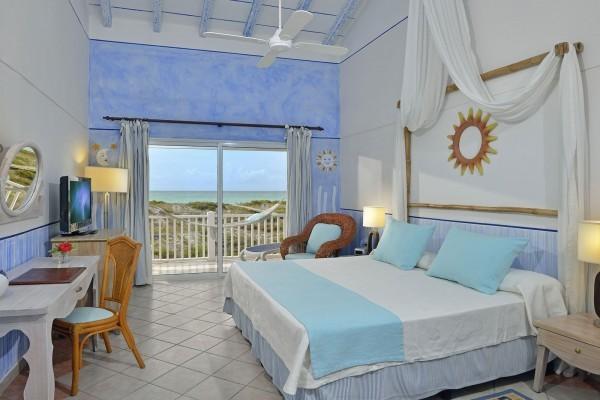 Sol Cayo Largo Junior Suite Bedroom