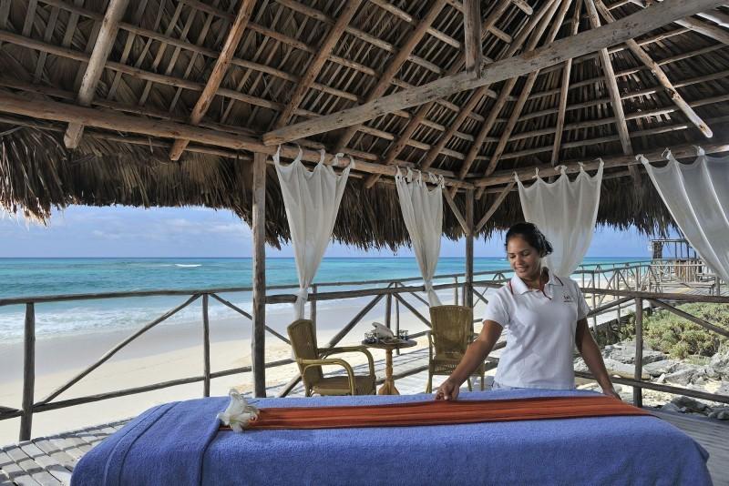 Sol Cayo Largo massage Table on Beach