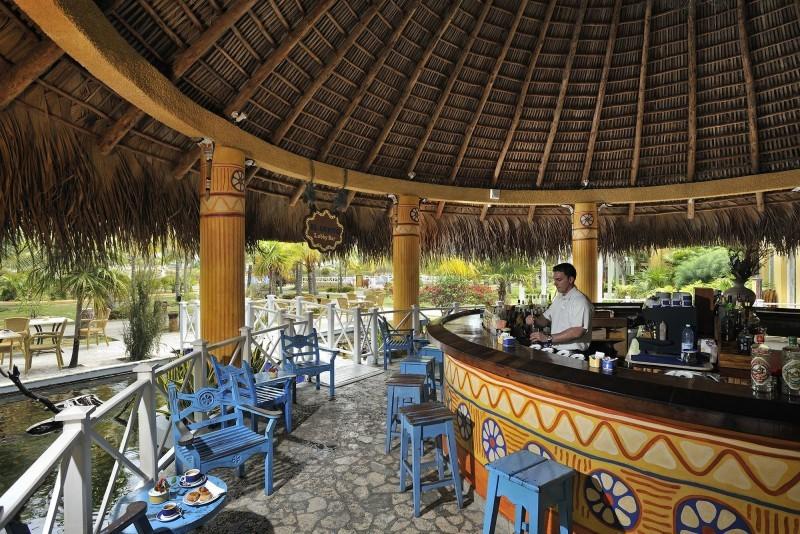 Sol Cayo Largo Outdoor Bar