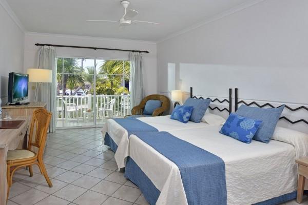 Sol Cayo Largo Standard Room Bedroom
