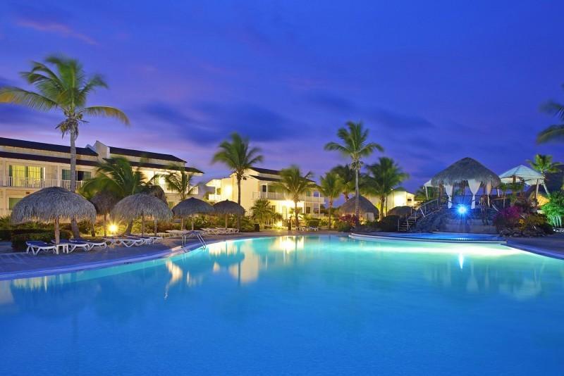 Sol Cayo Largo Swimming Pool at Night