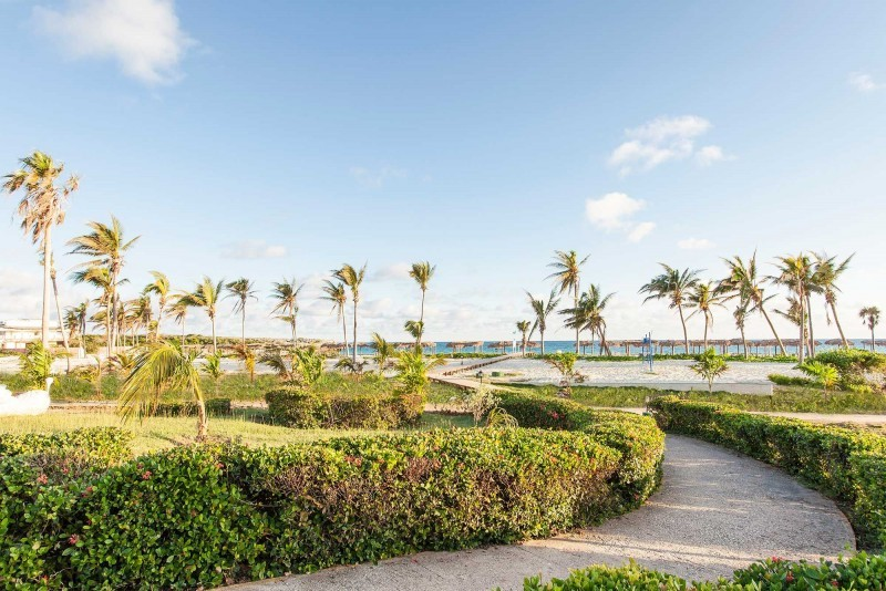 Sol Cayo Coco Hotel Grounds
