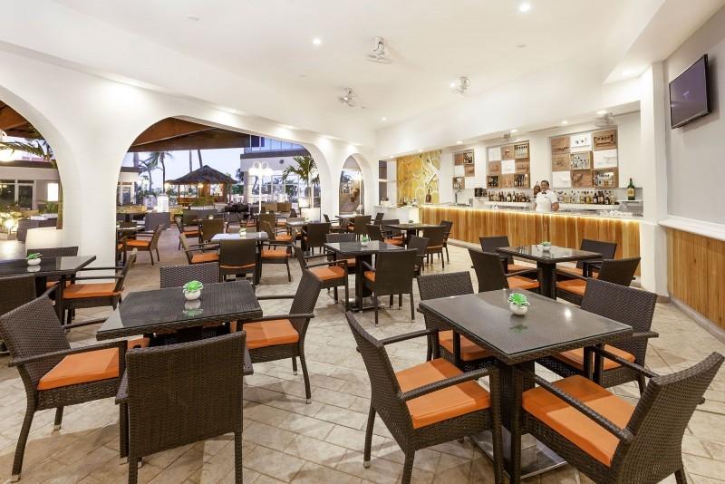 Sol Cayo Coco Hotel Lobby Bar