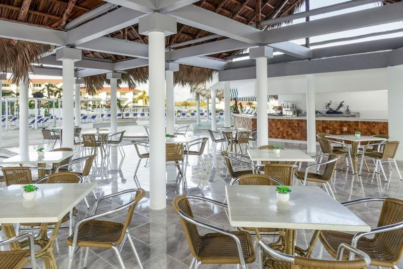 Sol Cayo Coco Hotel Pool Bar