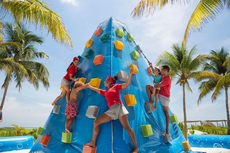 Sol Cayo Guillermo Hotel Children's Rock Climbing