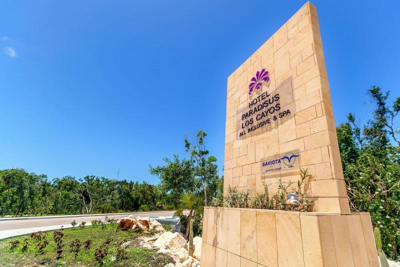 Paradisus Los Cayos Hotel Entrance Sign