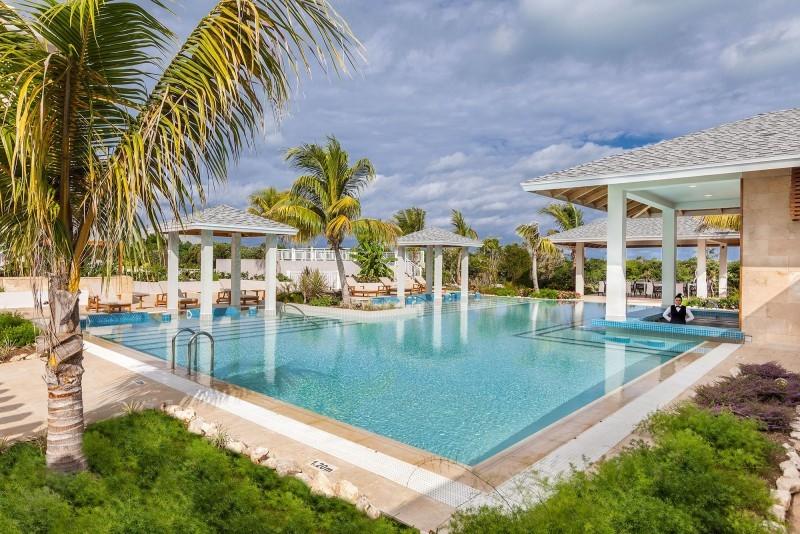 Paradisus Los Cayos Hotel Pool Bar