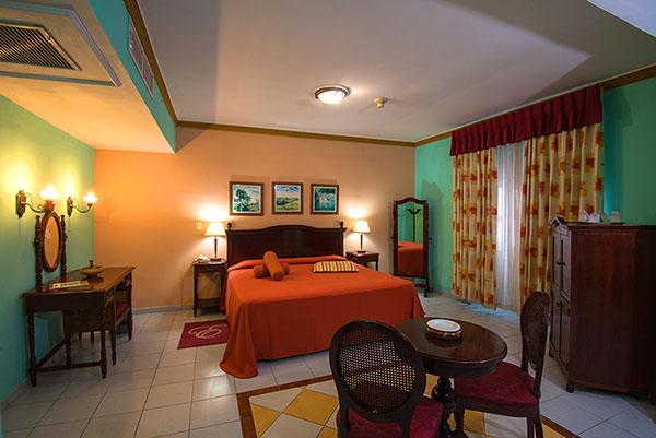 La Union Hotel, Cienfuegos, Cuba junior suite