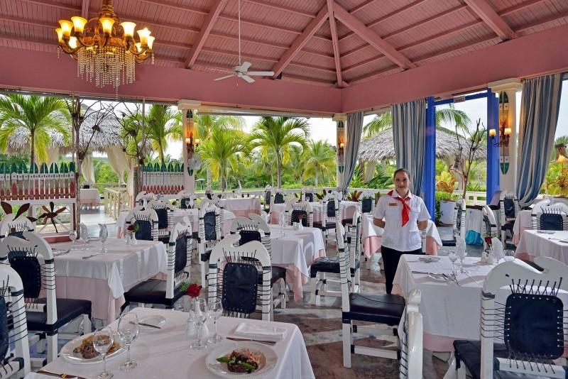 Paradisus Rio de Oro Garden Restaurant