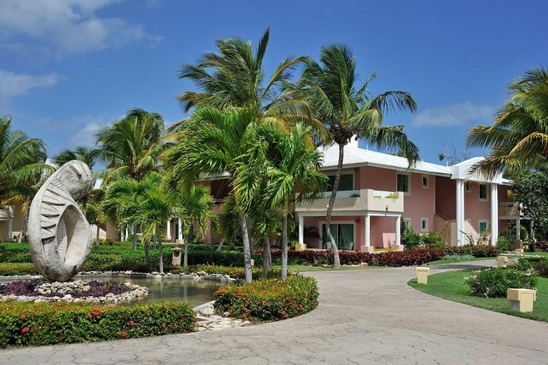 Paradisus Rio de Oro Hotel Entrance