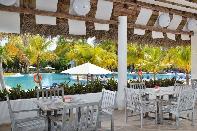 Paradisus Rio de Oro Poolside Bar