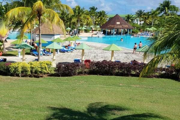 Playa Costa Verde Superior Room Pool View