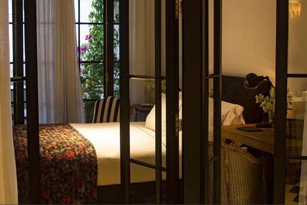 Loma del Angel bedroom