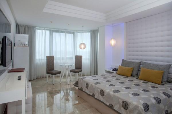Melia Cohiba Havana The Level Room bedroom