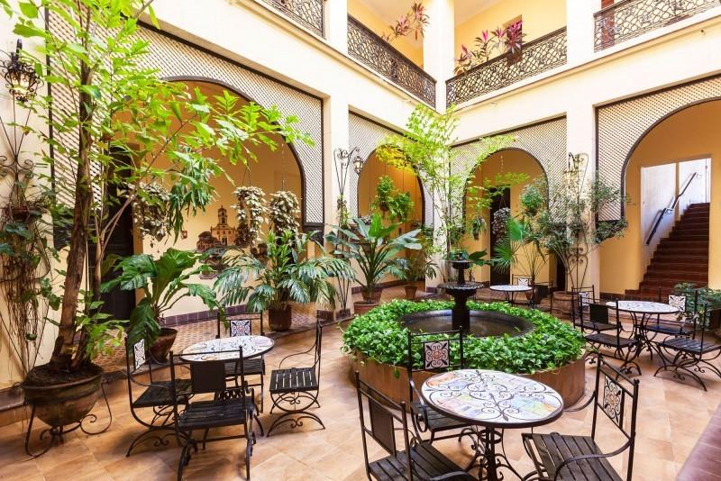 Hotel Gran Camaguey Courtyard