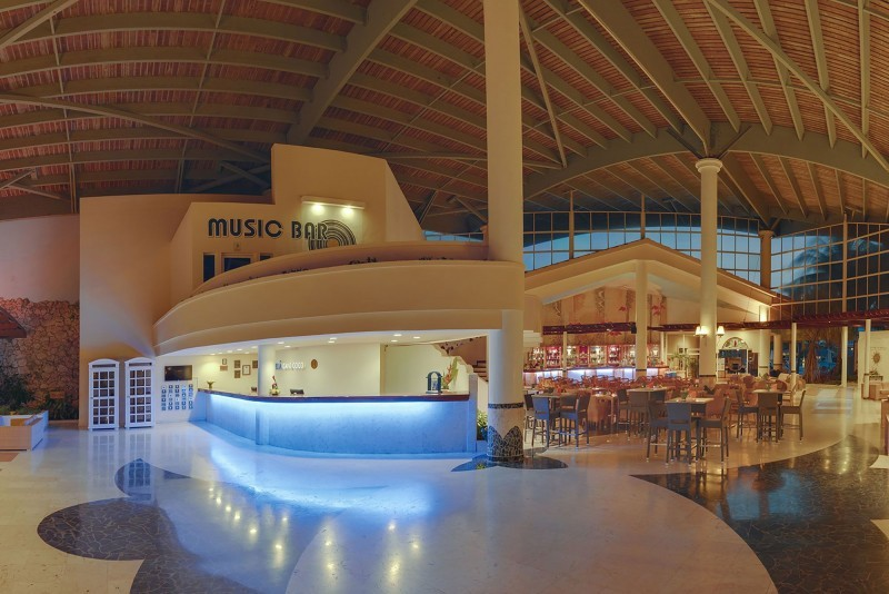 Melia Cayo Coco Hotel Lobby Evening