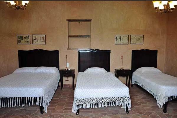Hostal Lola Trinidad Cuba Triple Bedroom