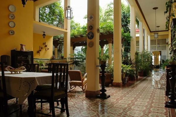 Autentica Pergola Santa Clara Dining Room