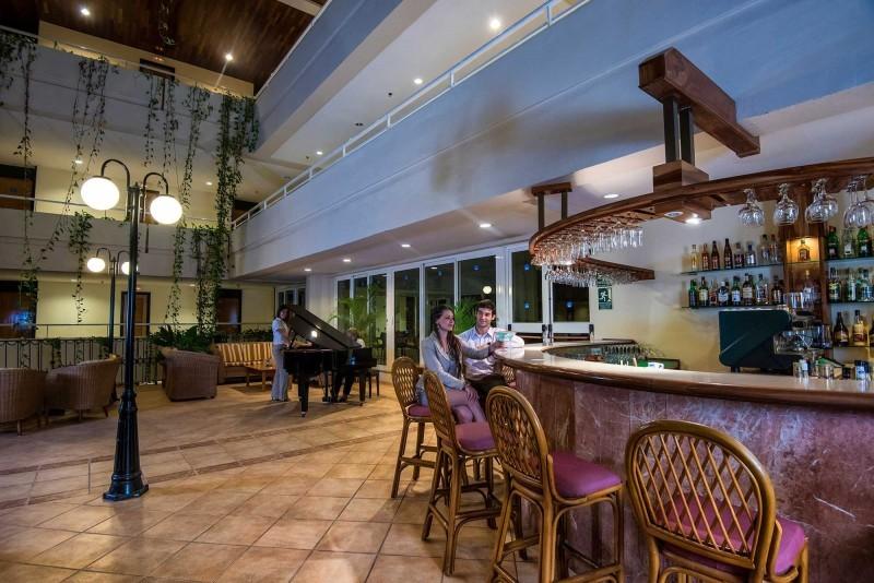 Blau Varadero Piano Bar