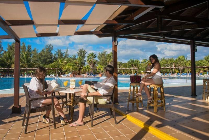 Blau Varadero Pool Bar
