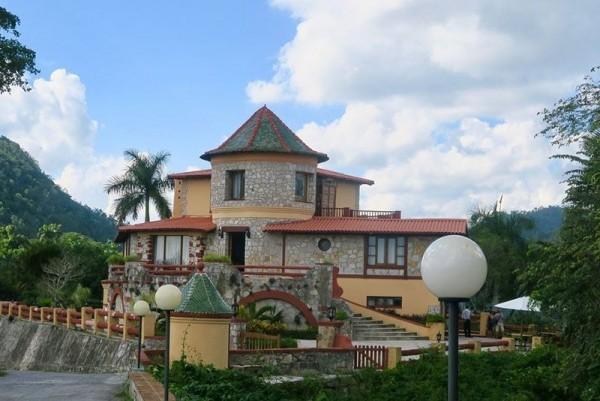 Castillo De Las Nubes External View