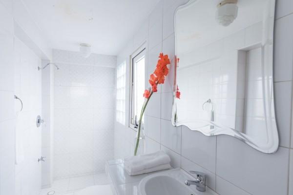 Chez Nous Havana Bathroom