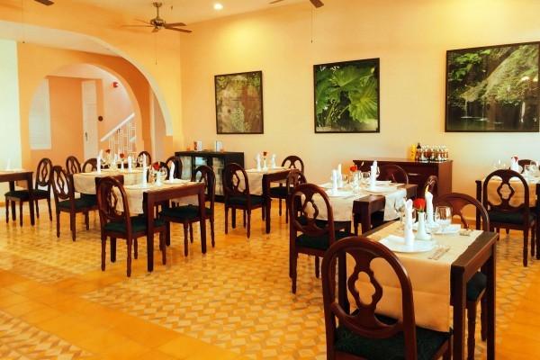 E Central Hotel Restaurant