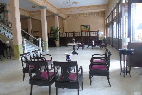 E Central Villa Clara lobby view